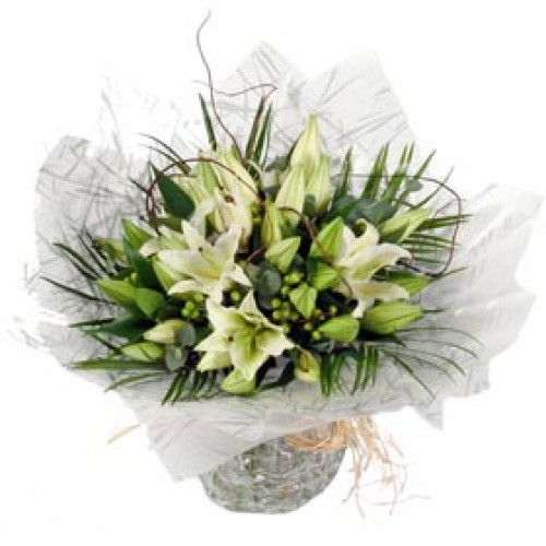 Lily Classic Handtie Top Selling Flowers